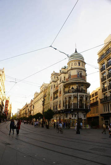 flamenco-studio-seville-trips-avenida-constitucion